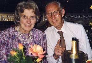 Casal não tinha filhos, mas amava sua grande família Foto: Reprodução