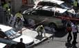 Especialistas forenses insepcionam local do ataque em sinagoga em Jerusalém