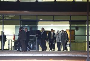 Onze suspeitos presos tiveram a prisão revogada e saíram da carceragem da PF em Curitiba Foto: Hugo Harada/ AGP