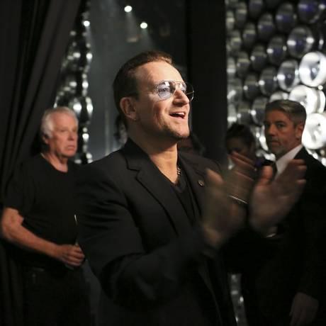 Bono nos bastidores da cerimônia do Oscar 2014 Foto: MONICA ALMEIDA / NYT