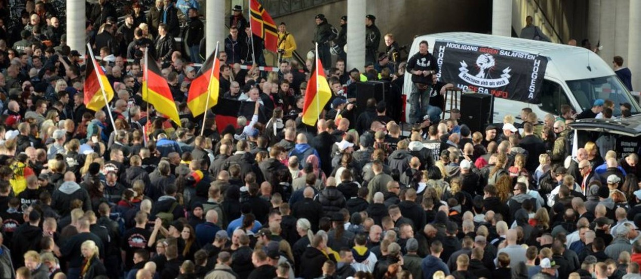 Protesto em Colônia no último dia 26 de outubro: 44 policiais ficaram feridos Foto: Reuters