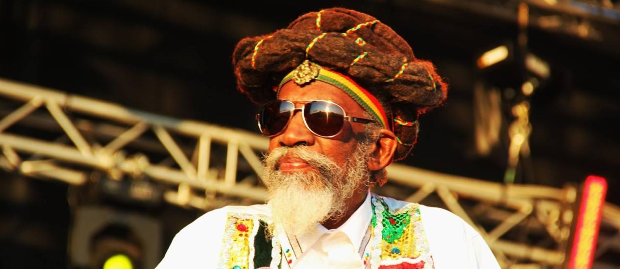 """Único membro restante dos Wailers originais, Bunny traz turnê ao Brasil e não se furta em criticar a fase reggae de Snoop Dogg: """"É um babaca!"""" Foto: reGGaeLover / Divulgação"""