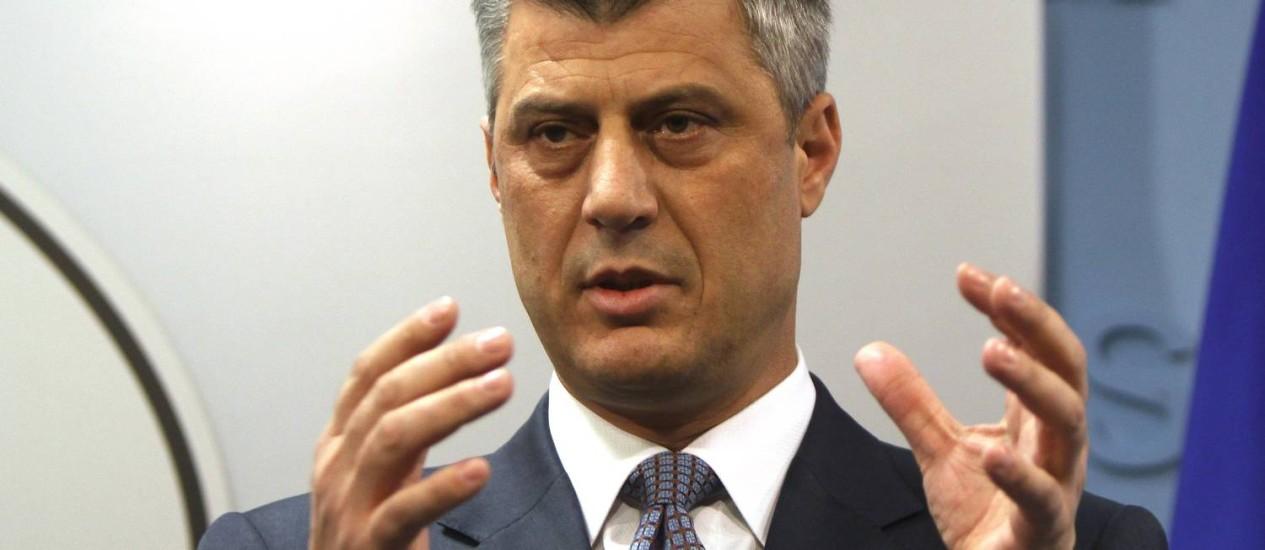 Primeiro-ministro do Kosovo, Hashim Thaci. LDK e PDK concordaram com formação de novo governo, resolvendo impasse que já durava mais de cinco meses Foto: VISAR KRYEZIU / AP