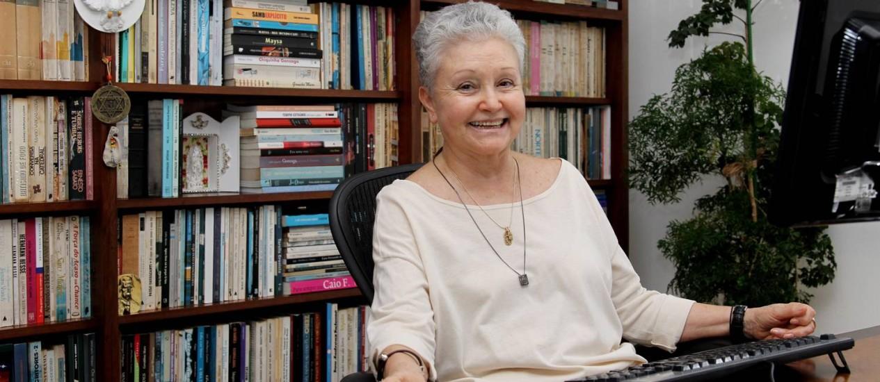 A autora Maria Adelaide Amaral Foto: Fernando Donasci