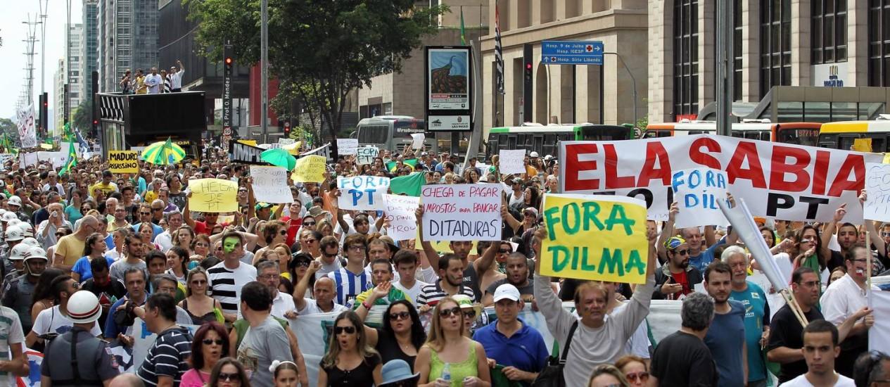 Movimento em São Paulo reuniu 10.000 pessoas em frente ao Masp Foto: Michel Filho / Agência O Globo