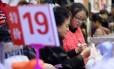 Pressões deflacionárias e vendas do comércio fracas na China