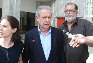 O ex-ministro da Casa Civil José Dirceu, condenado no processo no mensalão, volta a Brasília Foto: ANDRE COELHO/Agencia O Globo / Agência O Globo