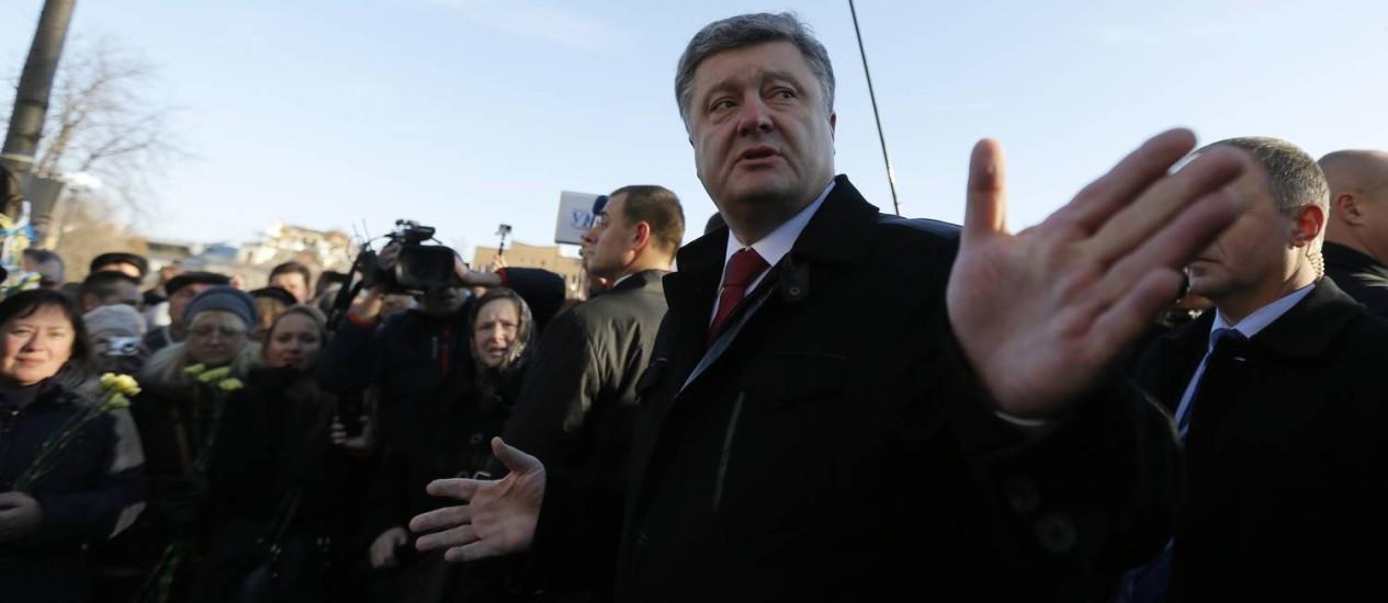 Petro Poroshenko. Presidente ucraniano anunciou formação de novo governo e ajuda militar da Lituânia Foto: Sergei Chuzavkov / AP