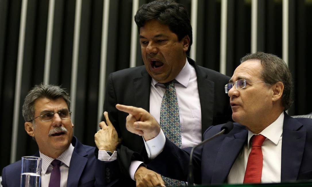- Cale-se! Cale-se! - respondeu o presidente do Senado. Foto: Ailton de Freitas / Agência O Globo
