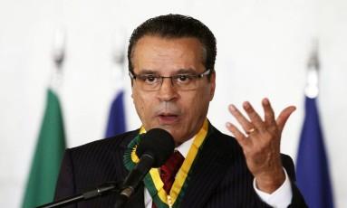 Henrique Eduardo Alves participa da cerimônia de entrega de medalhas do Mérito Legislativo Foto: Jorge William / Agência O Globo