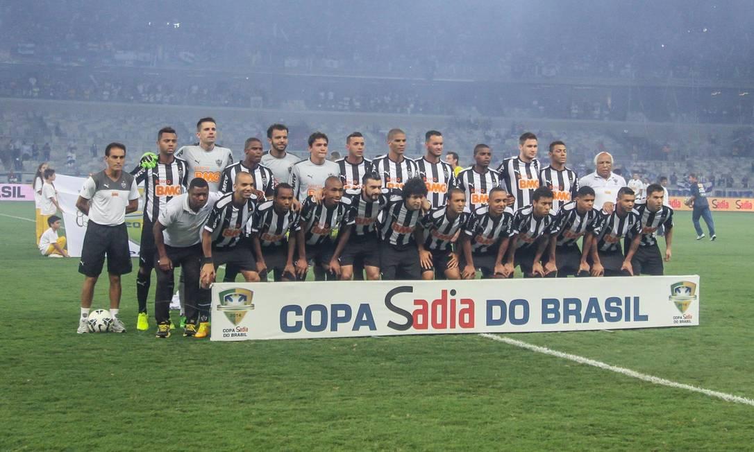 Os jogadores do Atlético-MG posaram para a foto antes da partida Foto: BRUNO CANTINI / Atlético-MG