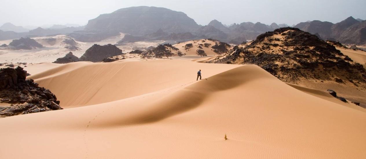 Deserto do Saara. Em 1994, maratonista italiano ficou dez dias perdido após tempestade de areia Foto: Luca Galuzzi / http://www.galuzzi.it/Creative Commons