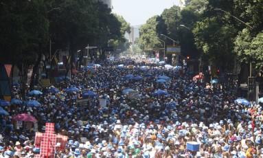 Desfile do Monobloco na Avenida Rio Branco, no Centro do Rio. Foto de 9/03/2014 Foto: Felipe Hanower / Agência O Globo