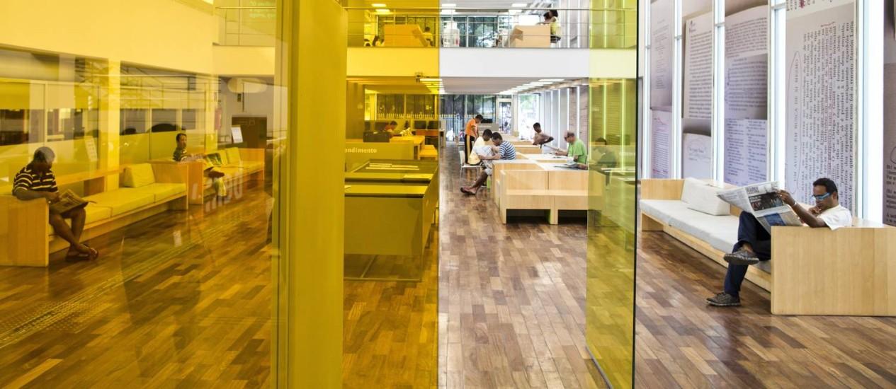 Salão central da Biblioteca Parque Estadual, na Avenida Presidente Vargas, no Centro Foto: Guito Moreto
