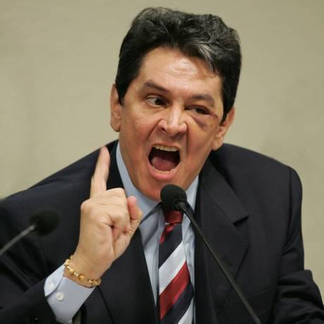 O ex-deputado Roberto Jefferson (PTB-RJ) foi cassado por causa do mensalão, como José Dirceu (PT-SP) e Pedro Corrêa (PP-PE) Foto: Roberto Stuckert Filho / O Globo 14/09/2012