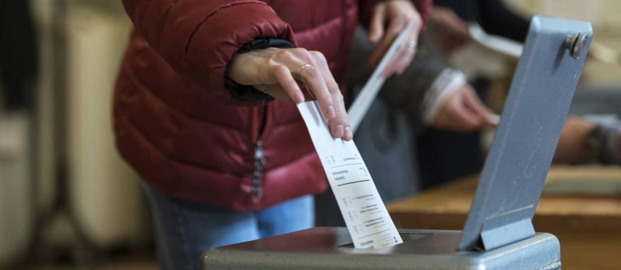 Suíços vão às urnas para referendo sobre imigração Foto: Alessandro Della Valle / AP