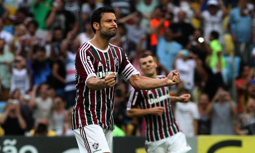 Com dois gols, ambos de pênalti, Fred se isolou na artilharia, com 17 Foto: Nelson Perez / Fluminense