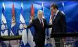 Netanyahu recebe o premier Aleksandar Vucic, em Jerusalém: rebelião ministerial