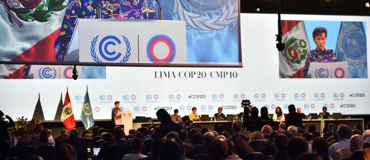Secretária-executiva da convenção quadro da ONU para mudanças climáticas, Christiana Figueres, em discurso de abertura da COP20, em Lima, no Peru Foto: CRIS BOURONCLE / AFP