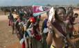 Virgens candidadas à esposa do rei desfilam em Mbabane, na Suazilândia