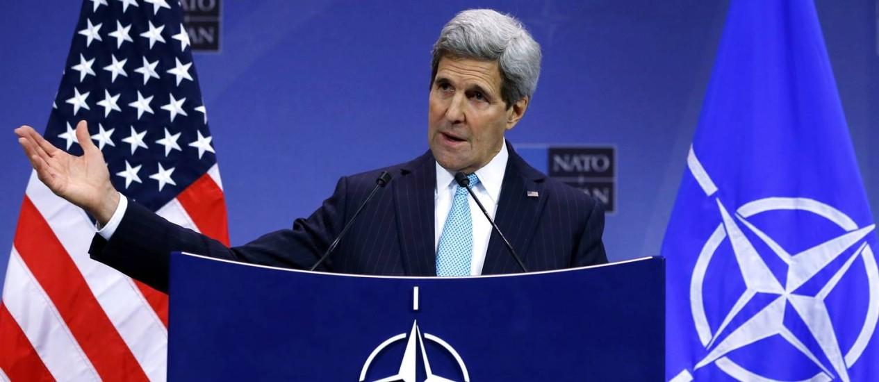 John Kerry durante encontro da Otan em Bruxelas. Secretário americano de Estado acusa Rússia de não cumprir promessas em relação ao conflito na Ucrânia Foto: YVES HERMAN / REUTERS