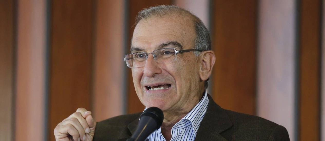 Humberto de la Calle, representante do governo colombiano nas negociações com as Farc Foto: JOHN VIZCAINO / REUTERS