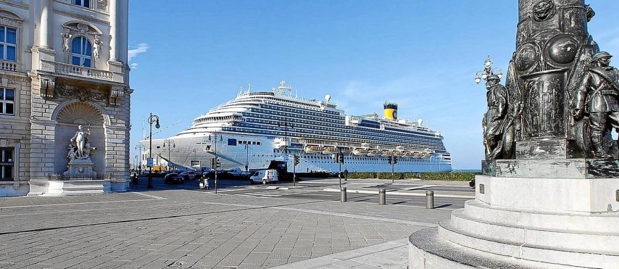 Viagem inaugural. O Costa Diadema no porto de Trieste, na Itália Foto: Divulgação