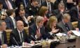 Secretário de Estado americano, John Kerry, discursa durante uma reunião da coalizão internacional de combate ao Estado Islâmico na sede da Otan em Bruxelas