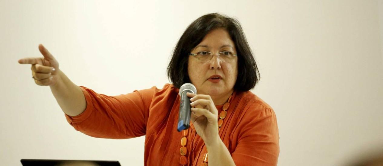 Gisela Castro em palestra na UERJ Foto: Marcelo Piu