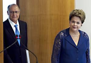 Presidente Dilma Rousseff recebe governador de São Paulo, Geraldo Alckmin Foto: Jorge William / O Globo