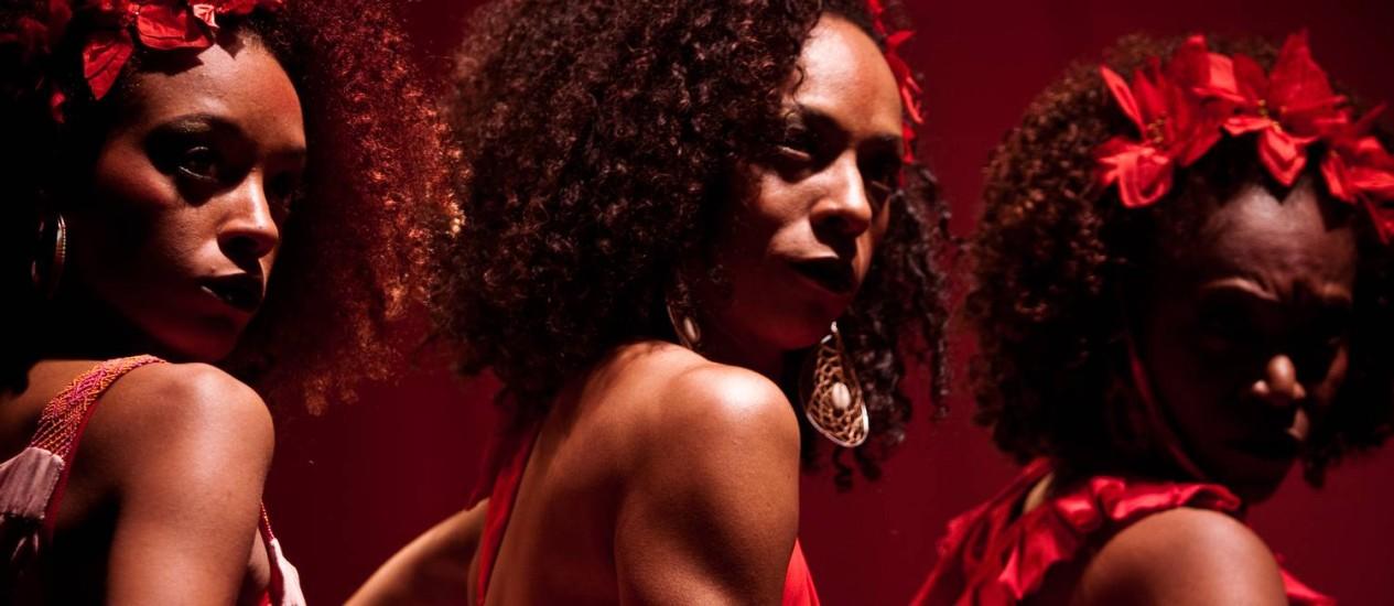 O trabalho do Bando de Teatro Olodum é apontado como exemplo de tempos mais fertéis para o negro no teatro Foto: Divulgação / Divulgação