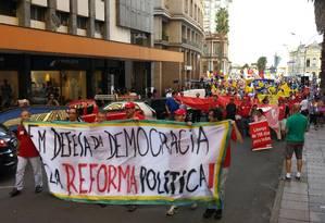 Manifestação pela reforma política reúne 1,5 mil no RS Foto: Flávio Ilha