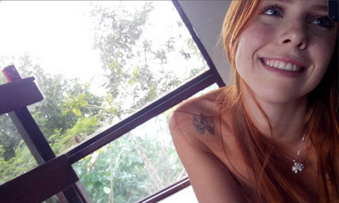 Ato político. Larissa Tavares, de 26 anos, é candidata: há mulheres de vários padrões e ao menos uma cadeirante Foto: Divulgação/ToplessinRio