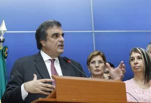 Ministro José Eduardo Cardozo participa da reunião com os secretários de segurança de todo o país Foto: Jorge William / Agência O Globo