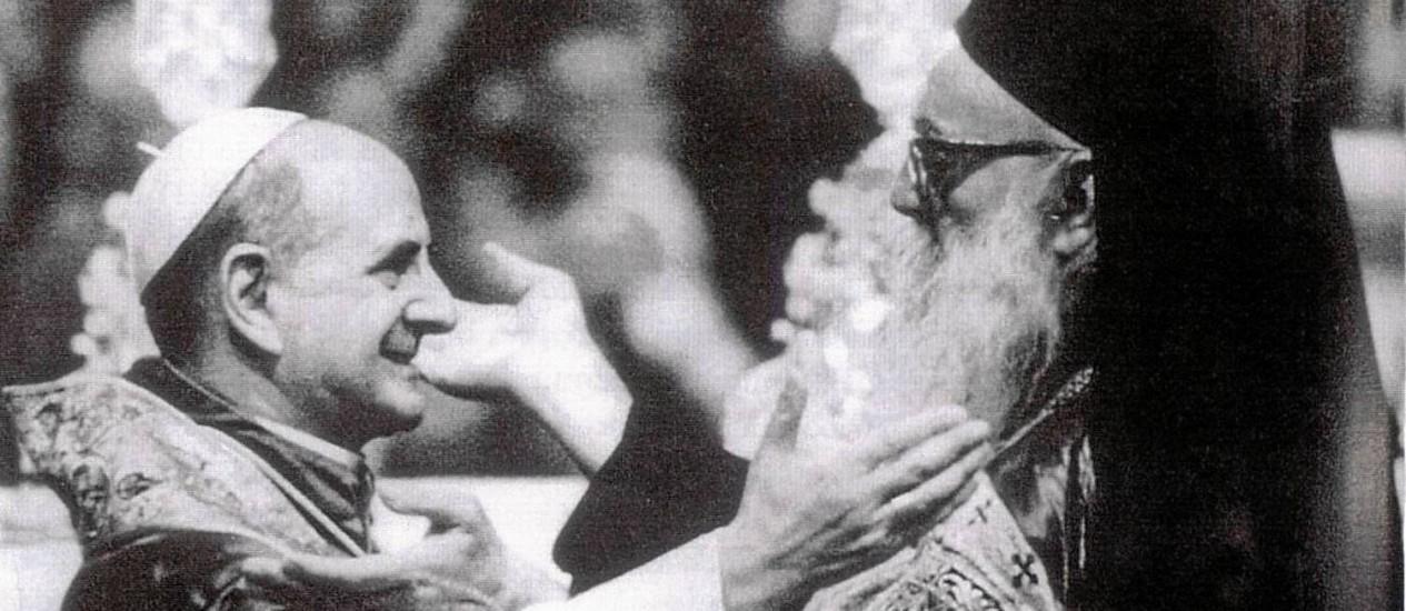 Em 1967, o Papa Paulo VI fez um dos primeiros movimentos em direção aos ortodoxos ao se encontrar com o Patriarca Atenágoras Foto: Arquivo