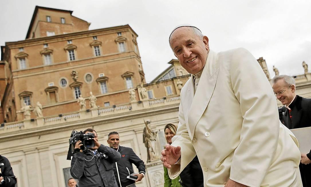 Prestes a completar 78 anos e 21 semanas de pontificado, Papa tem dores, mas diz que tem ritmo bom de trabalho Foto: / Andrew Medichini/ AP