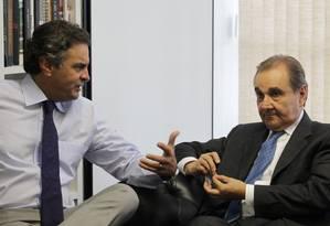 Aécio Neves (PSDB) e José Agripino (DEM) são os líderes dos partidos na nova articulação Foto: Ailton de Freitas / Agência O Globo
