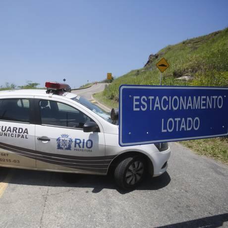 Operação verão na Prainha e na Praia do Grumari deixa motoristas confusos Foto: Felipe Hanower / Agência O Globo