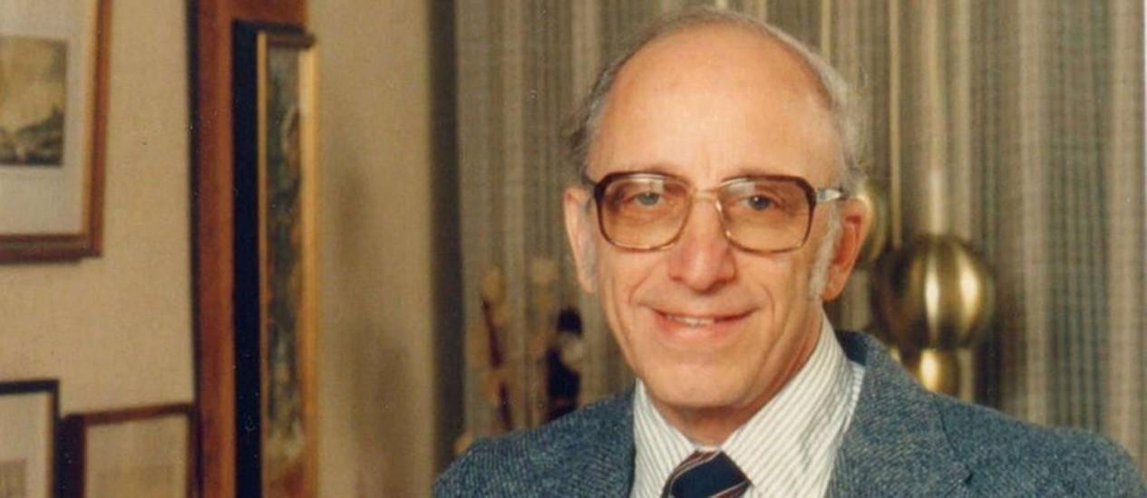 O alemão Ralph Baer foi o criador do primeiro aparelho de videogame do mundo Foto: Agência Globo