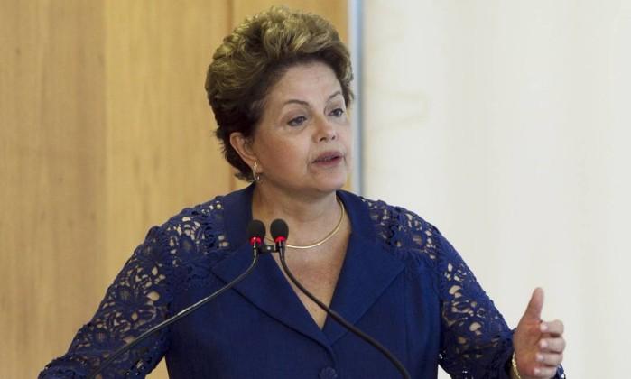 * Técnicos do TSE recomendam rejeição das contas de campanha de Dilma.