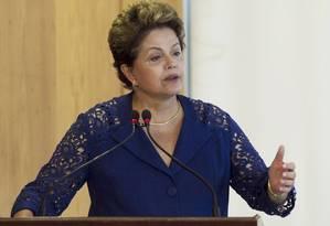 O TSE recomendou nesta segunda-feira a rejeição das contas de campanha da presidente Dilma Foto: Jorge William / Agência O Globo