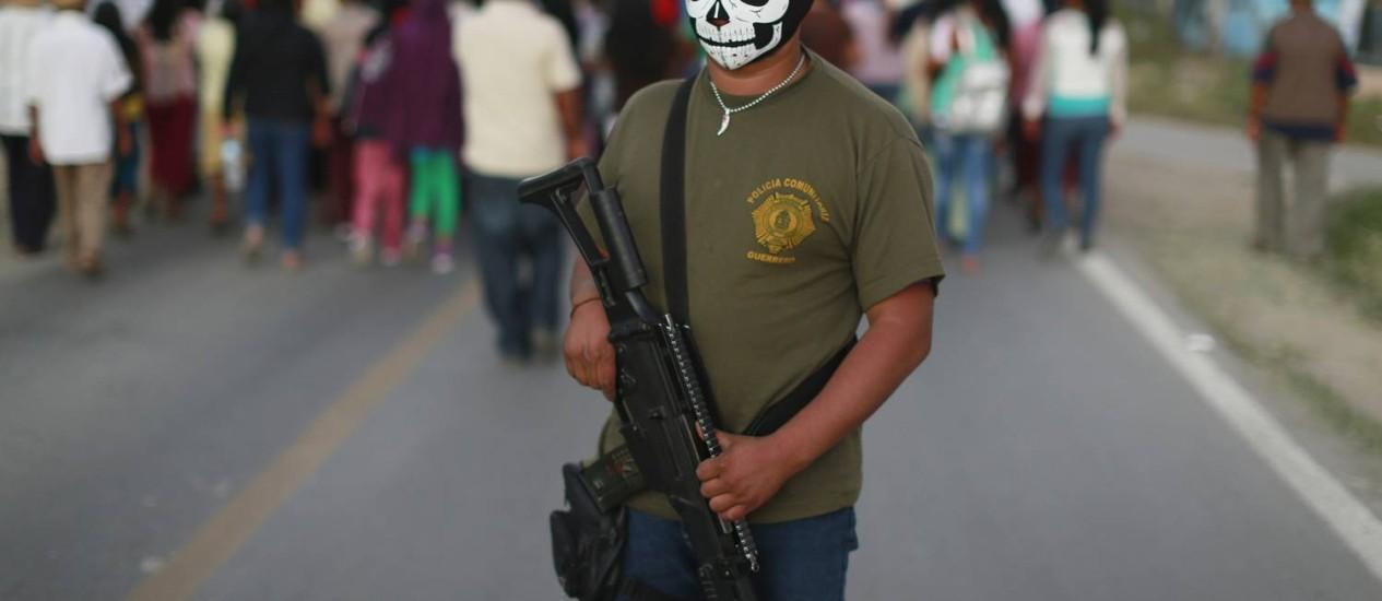 Membro da polícia comunitária do Estado de Guerrero Foto: JORGE DAN LOPEZ / REUTERS