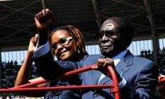 Robert Mugabe e sua mulher, Grace Foto: ALEXANDER JOE / AFP