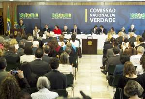 A cerimônia de entrega do relatório lotou a sessão no Palácio do Planalto Foto: Jorge William / Agência O Globo