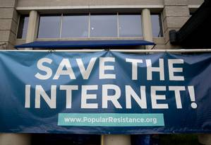 Neutralidade da rede também está em risco: 74% dos países pesquisados não dispõem de leis que defendam a neutralidade e/ou mostram evidências de violação do princípio Foto: Andrew Harrer / Bloomberg