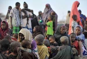 Refugiados somalis no Quênia: no Chifre da África, população foge da fome e da seca Foto: TONY KARUMBA/AFP/2-8-2011