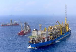 R eservas. No pré-sal, onde o navio-plataforma Cidade de Ilhabela opera, valor das reservas a explorar caíram de US$ 420 bilhões no início do ano para US$ 378 bilhões Foto: Divulgação