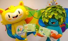 Os mascotes Vinicius, de amarelo, e Tom, de azul Foto: Alex Ferro / Rio2016