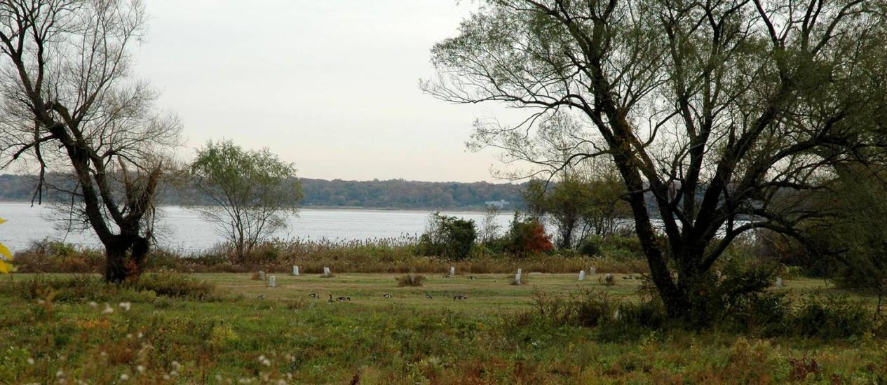 O cemitério de Hart Island, Nova York: para entrar, só morto ou preso Foto: Melinda Hunt / The Hart Island Project/BLOOMBERG NEWS