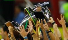 Fla ergue a Copa do Brasil de 2013: a conquista mais recentede um clube carioca na competição Foto: Pedro Kirilos / Agência O Globo